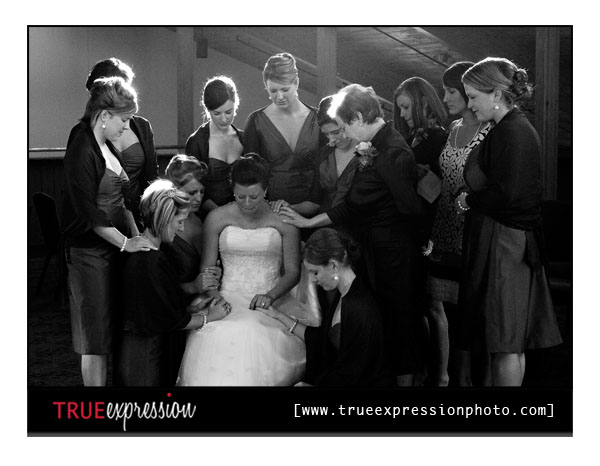 bride prays before the wedding