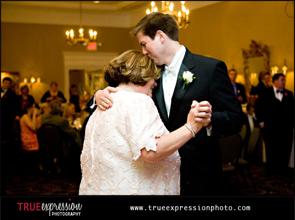 groom dances with his mom